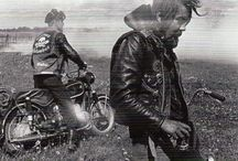 <<Motorcycles>>