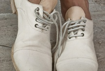 LUV THOSE SHOES / by diana rice