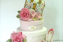 Purse cakes / I think I'm growing an obsession with purse cakes!