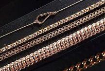 Or 18 carats  - Gold / #or #gold #bijou #couleur #matière #material #jewel #pretty #18CARATS #LeManegeABijoux #Combat18Carats