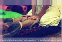"Holistic Massage / Ολιστικό μασάζ / Material from my workshops, plus other stuff about holistic / swedish / deep tissue massage. Η ολιστική μάλαξη με έλαια (γνωστή και ως σουηδική μάλαξη) είναι το πιο διαδεδομένο είδος μασάζ. Ουσιαστικά, αποτελεί τον κατεξοχήν τύπο μάλαξης που έρχεται στο νου των περισσότερων με το που ακούν τη λέξη ""μασάζ""."