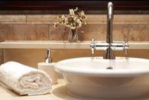 Ремонт, идеи, интерьер, дизайн, декор / Ремонт – это мероприятие, которое переворачивает жизнь вверх ногами, ставит соседей на уши и на некоторое время может превратить вашу семью в настоящую строительно-ремонтную бригаду.   Как подготовиться к нему? Чем лучше покрыть стены в ванной и нужно ли шпатлевать стены перед оклейкой обоями? Вопросы эти, казалось бы, самые простые, но по факту ответы на них не всегда сразу приходят в голову, когда затеваешь ремонт.
