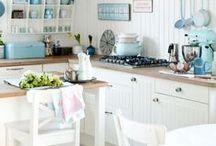 Белая кухня / Белая кухня, светлая кухня, цвет кухни, интерьер кухни, белая кухня фото, белая столешница, белый фартук, белая мебель, дизайн белой кухни, дизайн кухни, идеи для кухни