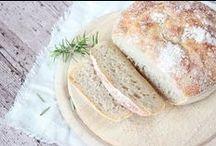 Brot backen / Bread / Selbst gebackenes Brot und Brötchen. Homemade bread and rolls