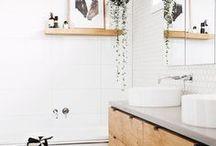 Badezimmer / Ein Badezimmer als kleine Wohlfühloase wäre ja mein Traum, aber auch mit kleinen Dingen kann ein Badezimmer viel wohnlicher werden!