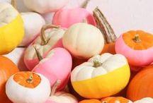 Herbstdeko basteln / Herbstdekoration basteln: Bastelideen mit Kürbis, Eicheln und Kastanien, Halloween Deko, Deko mit Blättern und Eichhörnchen