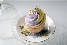 Cakes / Cupcakes / Cake-pops / by Deborah Gardiner