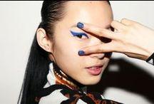 Maquiagem: azul gráfico