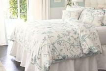 Queen Bed-Pillows