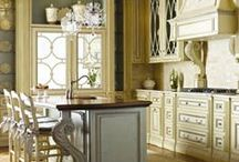 Kitchens / by Donna Caisse