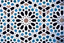 Polygons, Tessellations, Tiles & the Art of Breaking Symmetry / Frugal fractures of the infinite plain. Studies in the art of knitting the infinite to the finite. From arabesque and Islamic tilings to algorithmic, generative, procedural art of math visualised