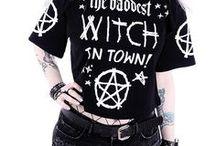 Gothique / T-shirts princesses Disney tatouées, débardeurs princesses Disney punk, t-shirts goths, top gothiques, colliers occultes, sacs gothiques, sacs occultes, sacs Restyle, sac Alice in Wonderland.