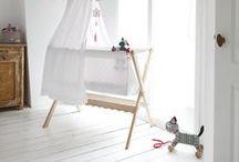 Kinderkamer ♥ / De belevingswereld van een kind is zo ontzettend rijk en fantasievol. Wat is er nu leuker dan een warme, fijne, veilige en liefdevolle plek te creëren voor je kind?! ♥ www.inndoors.nl