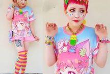 Kawaii - Manga - Fun / Bijoux kawaii, vêtements kawaii, accessoires kawaii, peluches kawaii. Freaky Pink vous propose une sélection d'articles mignons, à vous de choisir votre préféré et de foncer l'acheter sur www.freakypink.com