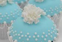 Cupcakes & Macarons / by Catarina Martins Raimundo