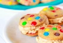 Cookies in a Jar / by Alejandra De Saravia