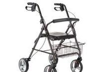 Rolatoare ortopedice / Rolatoare ortopedice cu 2, 3, 4 roti, au dubla functie: rolator-carucior. Prevazut cu sezut, spatar si geanta pentru transport, suport pliabil pentru picioare si suport pentru baston