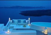 Suites In Santorini that you must stay!