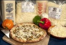 Chicken Pizza Recipes / Pizza recipes that include chicken as one of the toppings.
