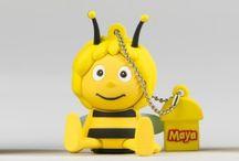 Bee & Maya / Bee friend Maya and beesocial!