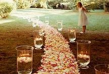 Arrange it to Glory! / Make your Wedding, Reception decor stand out, simple splashes of color, great table presentations, and awesome entertainment should do the trick