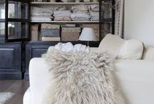 FPP #Texture / Tactile textures always bring a cosy satisfaction. From faux fur and leather to chunky knitted wool, I personally love it all.