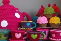 CROCHET / Tejer, tejer, tejer...algún día aprenderé a hacer todo esto. / by Angélica Garibay