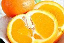 FRUITS  / Les fruits sont bons pour la santé / by Monique Soler