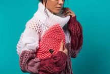 MneTeplo Accessories / MneTeplo accessories | crochet handbags | crochet backpacks | crochet clutches | beaded earrings and brooches.