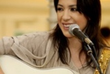 Singer Songwriter / Acoustic Rock from today's singer-songwriters. Enjoy Regina Spektor, Jewel, Foy Vance and more.