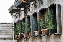 How does your garden grow? / We love all the unique ways salvaged items have been repurposed in outdoor and garden settings. Visit Southern Accents and view our selection of salvaged architectural items that could be used to create your own garden scene.