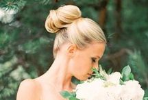 Bridal hair / bridal hair ideas for your wedding day. Topknots, loose curls, natural waves, low buns, high buns... all the bridal hairstyles you can think of are right here on this board