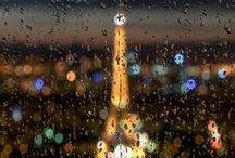 雨の日のパリ