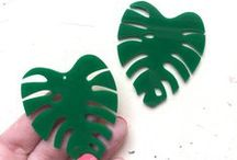 Great Shapes for Brooches and Magnets / Lasercut acrylic shapes in all sizes perfect for your crafty projects.