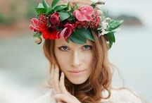 Flower crowns / Gorgeous flower crowns for brides. Made with lovely fressh flowers. Perfect for a summer or spring wedding!