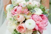 Peonies Bridal Bouquets / Beautiful bridal bouquets with peonies