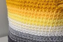 Crochet o ganchillo de toda la vida / Con una aguja de ganchillo y trapillo se pueden crear cosas estupendas