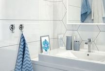 Small bathroom ideas / The bathroom is supposed to be more than the cleaning utilitarian room of the house. Its purpose should transcend the basic needs and extend to the relaxation zone, a space where time melts, problems and concerns can not enter and where the supreme goal is the total pause of the body and mind