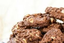 Cookie FAVORITES / Cookies and bars, only the best!