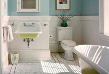Beachin bathrooms / by Lisa Wold