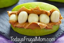 Halloween Healthy Kids Snacks / A spooky collection of Kids Halloween Healthy Snacks! Give them something to keep them healthy and full of energy!  Pinned by NaturallyMore.com #kidshalloweenfood