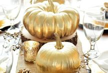 Friendsgiving Dinner Party / Are you throwing a Friendsgiving Dinner Party? Celebrating friendships and sharing a meal! If you can't make it home for the holiday's or just need a reason to throw a good party...Here are some creative dinner party ideas. #friendsgiving