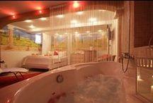 Sauna na pokoji / Už jste měli na pokoji vlastní saunu? Ne? Právě u nás ji najdete, přijďte si ji vyzkoušet na vlastní kůži :-)
