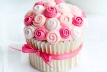 Cupcakes and Muffins / Cupcakes from food bloggers all over the globe. Pin away fellow Pinterest enthusiasts!
