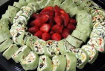 Potluck Recipes / Tired of chips and dips or the usual crudités? Try these potluck recipes. You'll get invited to parties more often.