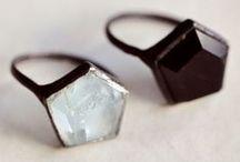 JEWELLERY / Style, watches, earrings.