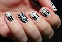 I ❤️ music / BEST NAILS EVER! I love music and I'm so doing this.