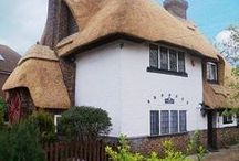The Thatched House – Margate UK / The Thatched House located in the Cliftoville area of Margate and is a great all season holiday destination only one mile away from the beachfront. You can find wonderful and roomy holiday accommodation, and an ideal spot to discover the surrounding area.