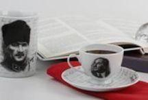 Atatürk Koleksiyon / Parşömen Ressamı Servet Sağlam tarafından kara kalem olarak resmedilen ve Porland tasarım ekibinin Mustafa Kemal Atatürk'ün el yazıları, mühür ve imzaları ile birlikte yorumladığı ''Atatürk Koleksiyonu'' tarihin unutulmaz izlerini taşıyor…