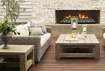 o u t d o o r  L I V I N G / exterior living ideas for the California room, patio, portico, porch, balcony, deck, backyard, terrace. Outdoor kitchens, lounges, dining tables, fireplaces.